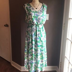 Gorgeous mts Floral Midi Dress NWT